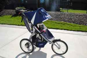 BOB Ironman Single Stroller Navy_side view