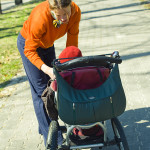 Walkingmama_smart casual _with_pompidoo_cologne_bag_on_stroller