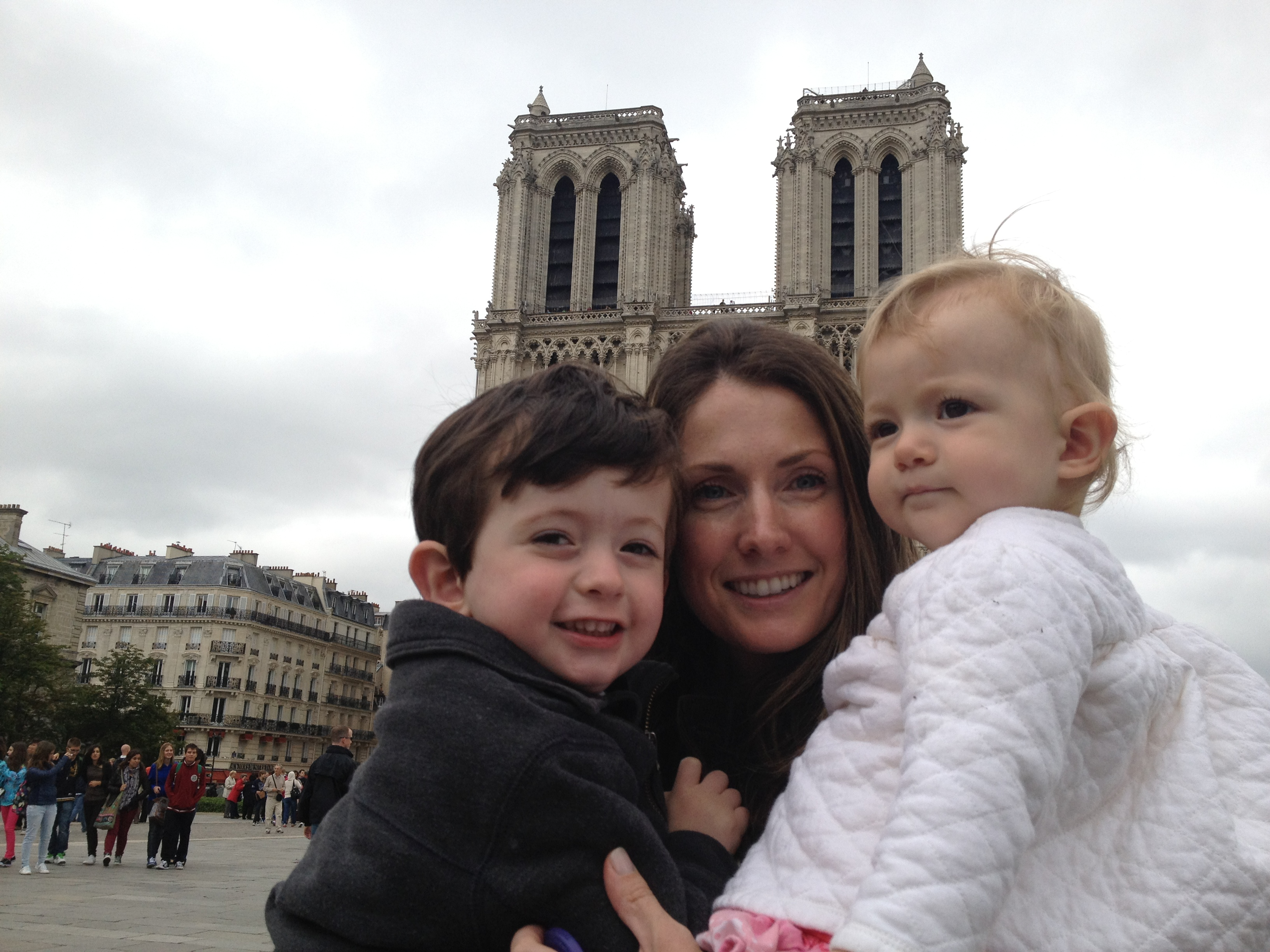 Princess Ivana Pignatelli with her son and daughter on vacation in Paris